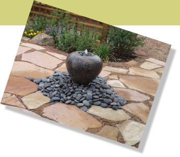 Dissapearing fountain with flagstone walkway